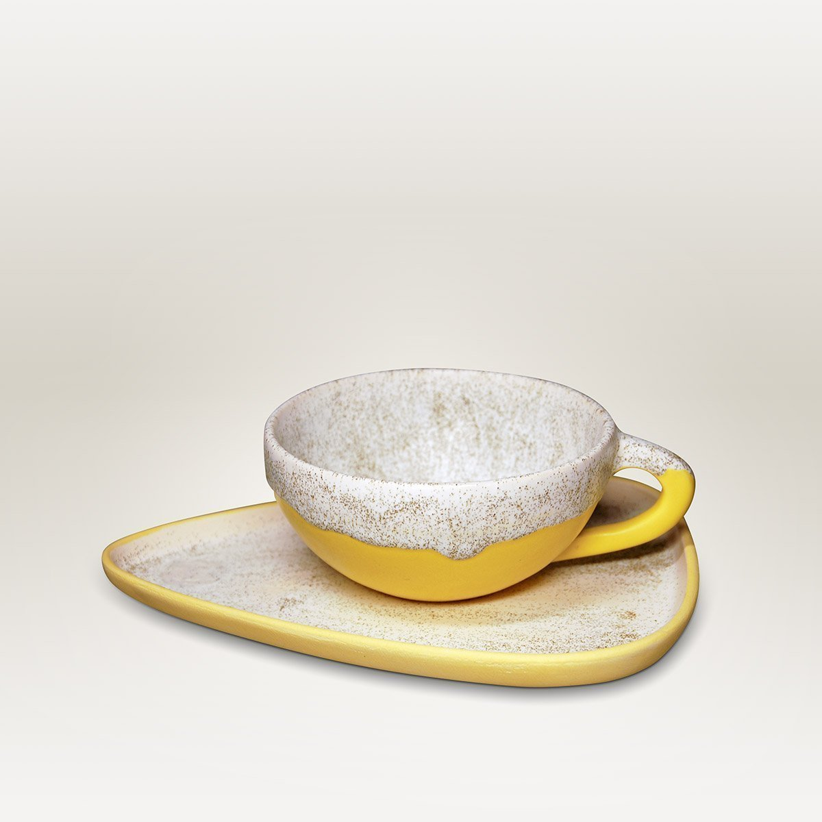 Molecule's Classic White Yellow Latte Handle Cup